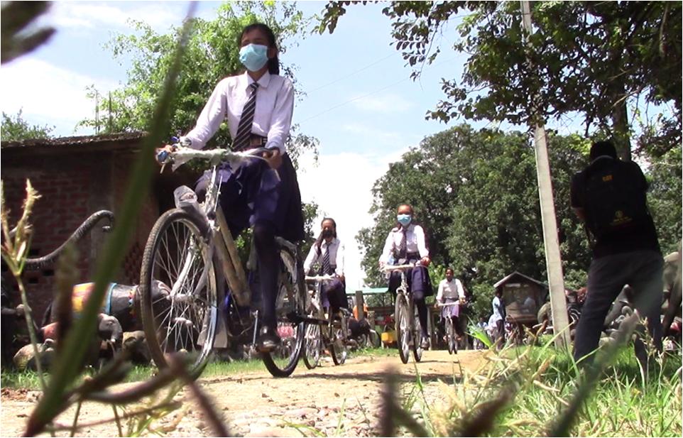 साइकलले छोट्टियो विद्यालय पुग्ने समय